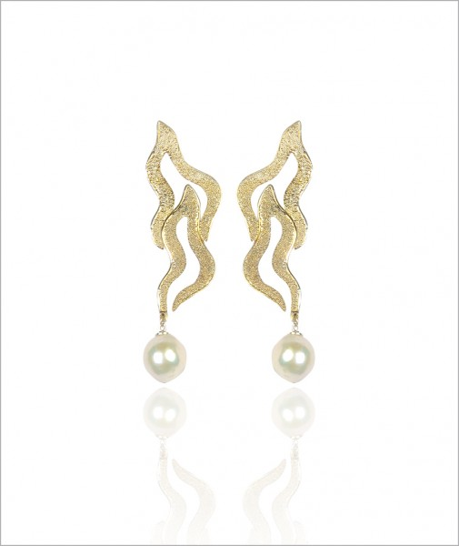 Flame Earrings with Baraque Pearl