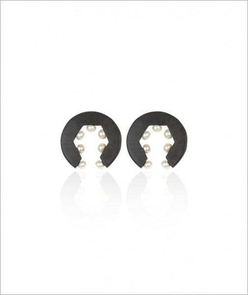Ebony Earrings with Pearls